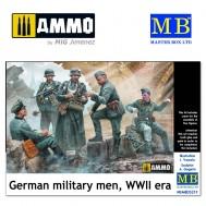 1/35 German military men, WWII era